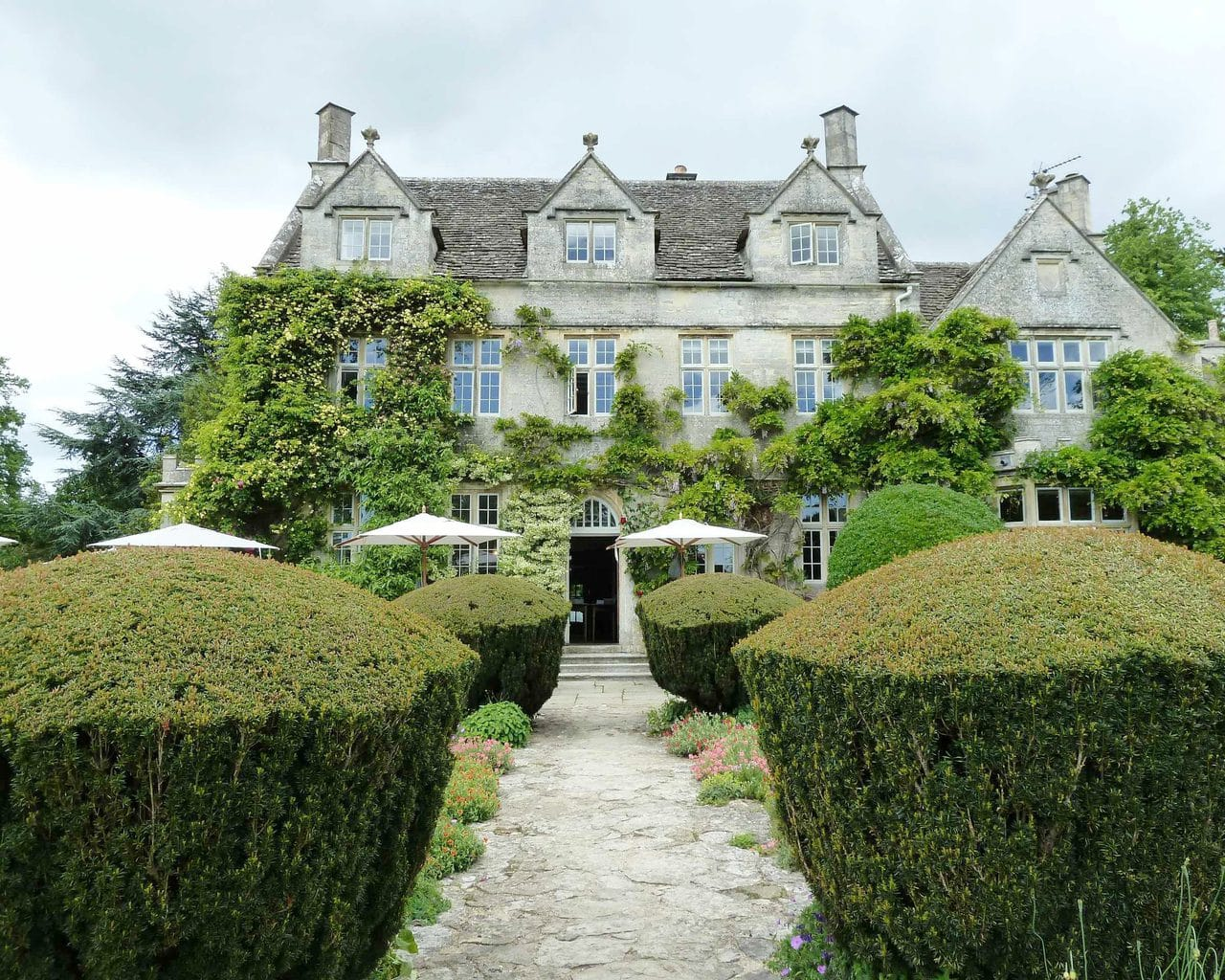 barnsley house cirencester destination wedding photographer